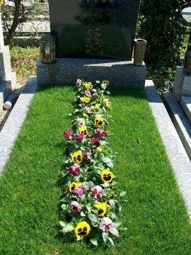 Grabpflege wien unsere angebote grabbetreuung wien for Blumenrabatte gestalten